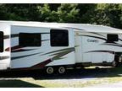 2010 Carriage RV Cameo-36FWS 5th Wheel in Cambridge, NY