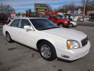 2004 Cadillac DeVille Base (White)
