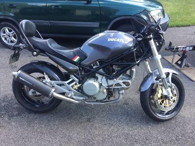 2002 Ducati MONSTER 750