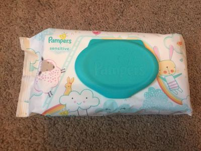 Pampers sensitive wipes - bunnies and lambs