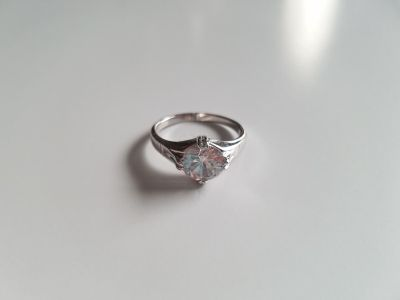 Gorgeous White Sapphire Sterling Silver Engagement Ring - Size 9