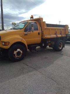 2001 Ford F750 Dump Truck w/ Plow & SS Spreader Dump Trucks Elkhorn, WI