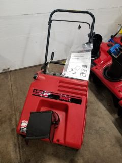 """21"""" snowblower. 2-stroke Engine. With electric start"""
