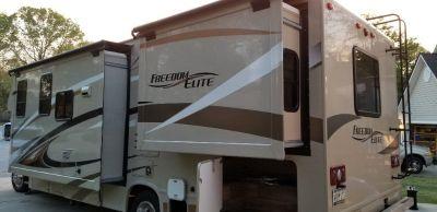 2017 Freedom Elite 29FE RV Class C