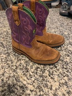 Girls size 3.5 leather John Deere boots