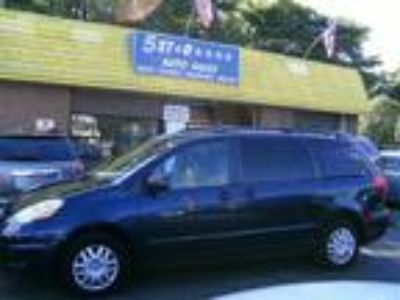 $7483.00 2007 TOYOTA Sienna with 122197 miles!