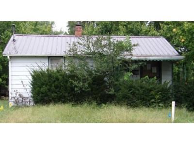 2 Bed 1 Bath Foreclosure Property in Elizabethtown, KY 42701 - Nicholas St