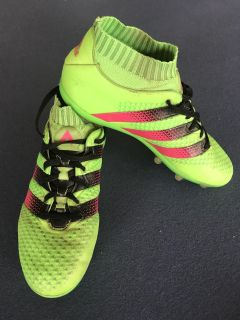 Adidas Soccer Cleats Boys youth size 5