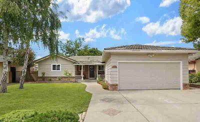 1913 Jackson Street LODI Three BR, This attractive home is