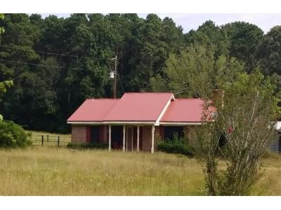 Preforeclosure Property in Ratcliff, TX 75858 - Hwy 7