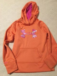 Girls soft under armour hooded sweatshirt with thumb holes, some stains on cuffs but guc size youth medium