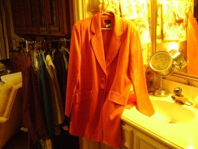 New Fall Style - Ladies Size 18 Long Suit Jacket