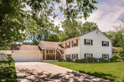 A Vintage Estate, LLC - Brenda and..