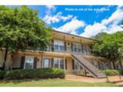 $115000 Two BR 1.00 BA, Oxford