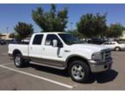 2006 Ford F-250-Super-Duty Truck in Visalia, CA