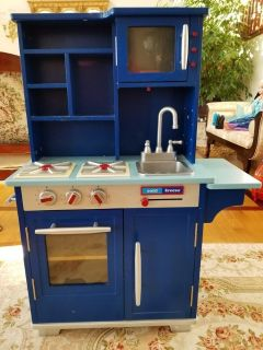 Sturdy Solid Wood Play Kitchen With Stove, Oven, Microwave, Kitchen Sink, Refrigerator and Cabinets