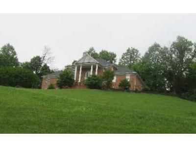 4 Bed 2.5 Bath Foreclosure Property in Warrenton, VA 20186 - Wellington Dr