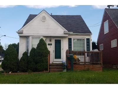 3 Bed 1.0 Bath Preforeclosure Property in Cleveland, OH 44135 - Rockland Ave