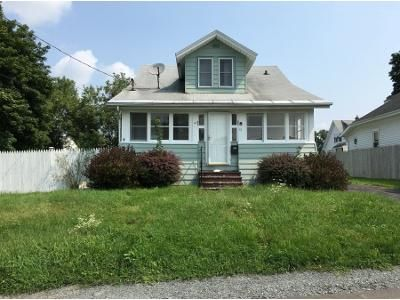 4 Bed 1.5 Bath Foreclosure Property in Rensselaer, NY 12144 - Maine Ave