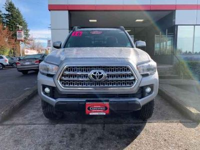 Used 2016 Toyota Tacoma 2WD Double Cab V6 AT