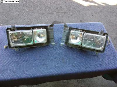 86-91 Square Headlight Assemblies/Buckets Glass