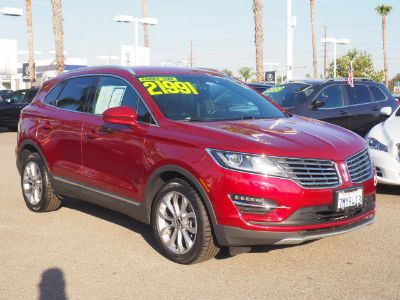 2016 Lincoln MKC Select (Ruby Red Metallic Tinted Clearcoat)