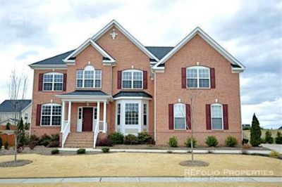 Stunning 4BD/3BTH Home in Weldon Ridge subdivision in Cary. Available August 8th