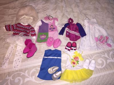 American Girl doll clothes lot- see both pictures for all items