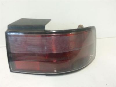 Sell PASSENGER RIGHT TAIL LIGHT FITS 95-97 SEVILLE TAILLIGHT Y16-150670 motorcycle in Akron, Ohio, United States, for US $50.00