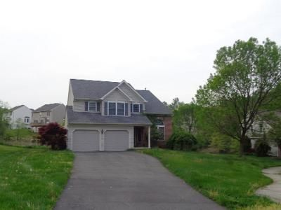3 Bed 3 Bath Preforeclosure Property in Reading, PA 19607 - Kantner Ln S