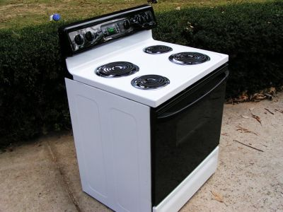 Stove-Range-White in Color-Electric-Frigidaire-3 months warranty