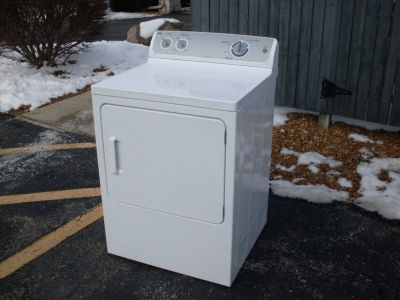 GE Gas Dryer. 2.5 Yrs Old. Like New!