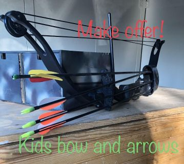 Kids bow and 4 arrows