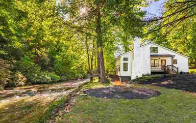 700 West Mountaintown Tr ELLIJAY Three BR, Incredible Water Front