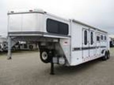 1999 Sundowner Trailers 8' Living Quarters Three Horse 3 horses