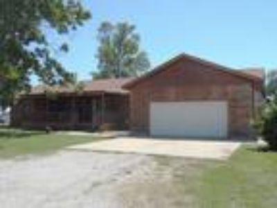 Cr2247 - This Wonderful 3 BR, 2 BA Log/Vanteck Siding Home
