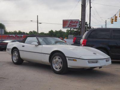1988 Chevrolet Corvette Base (White)