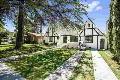 849 N Clementine Street ANAHEIM Three BR, This Vintage Home is