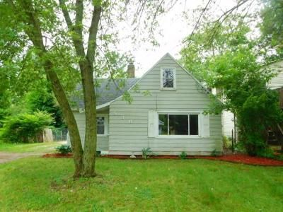 2 Bed 1 Bath Foreclosure Property in Lansing, MI 48906 - E Howe Ave