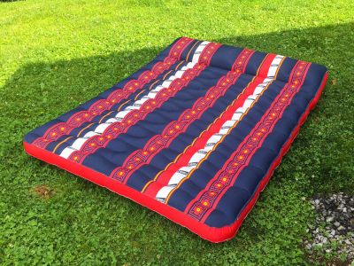 NEW condition Coleman Full Size Air Mattress w/built in pillow **READ PICK-UP DETAILS BELOW