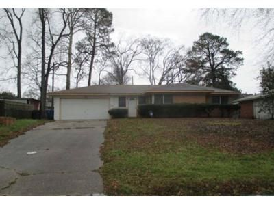 4 Bed 1.5 Bath Foreclosure Property in Shreveport, LA 71118 - Southland Park Dr