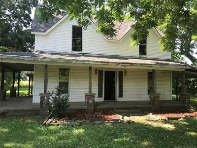 2 Bed 1 Bath Foreclosure Property in Stilwell, OK 74960 - W Young Ave