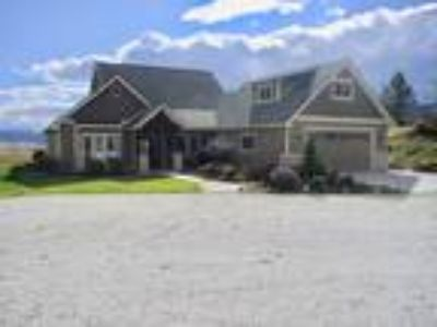 Spectacular Custom Home on 21 aces of View Property, rolling mountains and