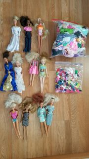 11 BARBIES, 7 KEN'S, 7 MINI'S, TONS OF CLOTHES-SHOES-FOOD- COOKING ITEMS, ANIMALS, CARS, BOAT, POOL, FURNITURE (SEE DESCRIPTION 4 FULL LIST)