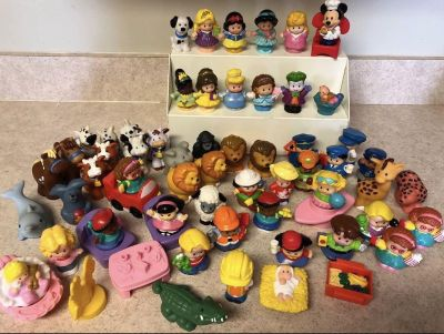 Lot of 65 little people Figures and accessories