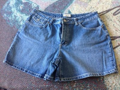 St John's Bay size 16 denim jean shorts good shape