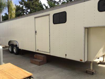 38 foot gooseneck competitive trailer