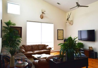 $300, 3br, 3 Stry Txn Themed Midtown Townhouse