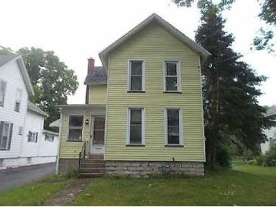 4 Bed 1.5 Bath Foreclosure Property in Batavia, NY 14020 - Wood St