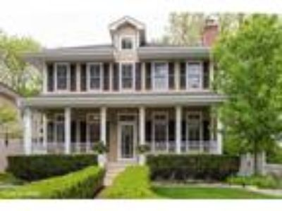Hinsdale Five BR 3.5 BA, 612 South Lincoln Street